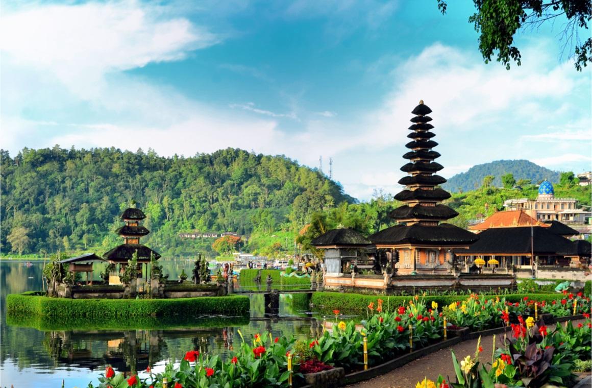 bali indonesia temple on the lake