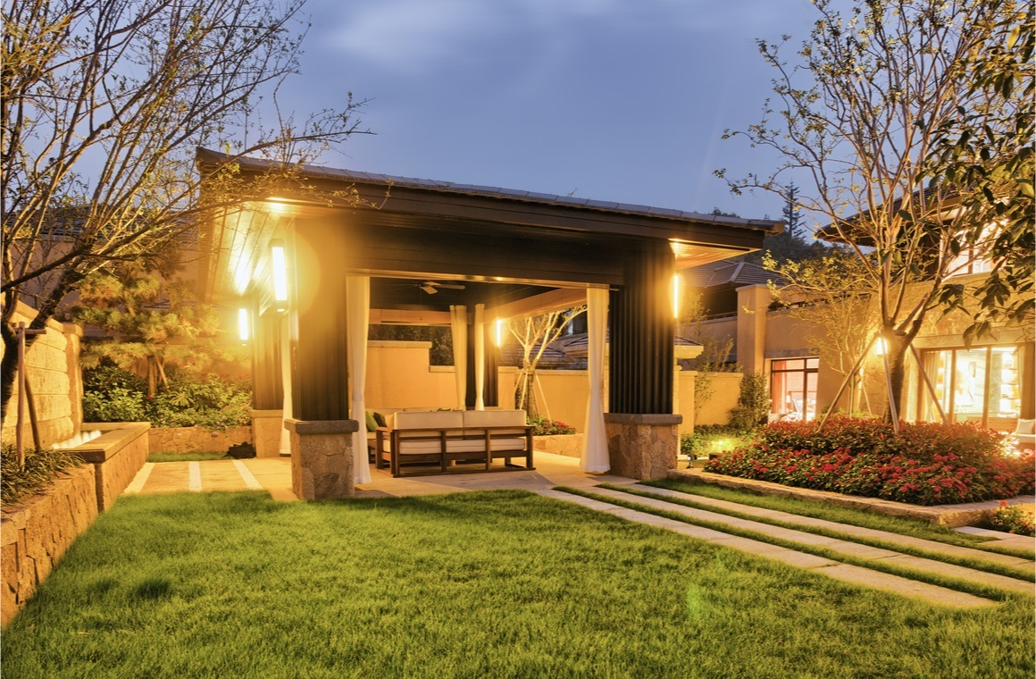 night scene of backyard of modern villa