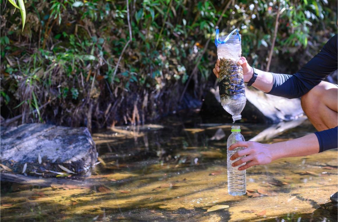 simple natural water filtering gear