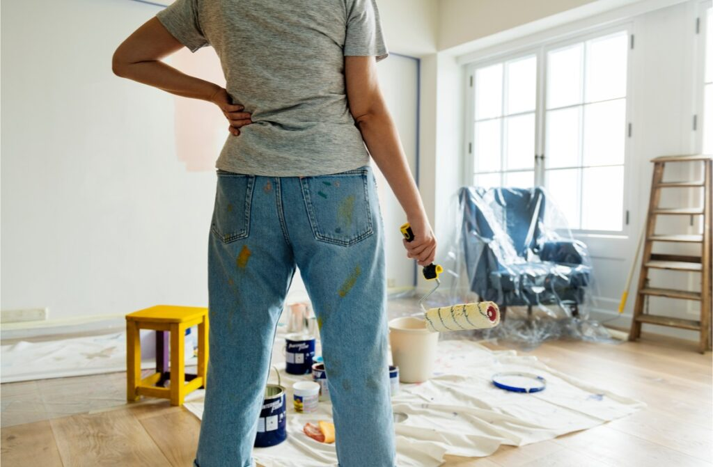 people renovating house