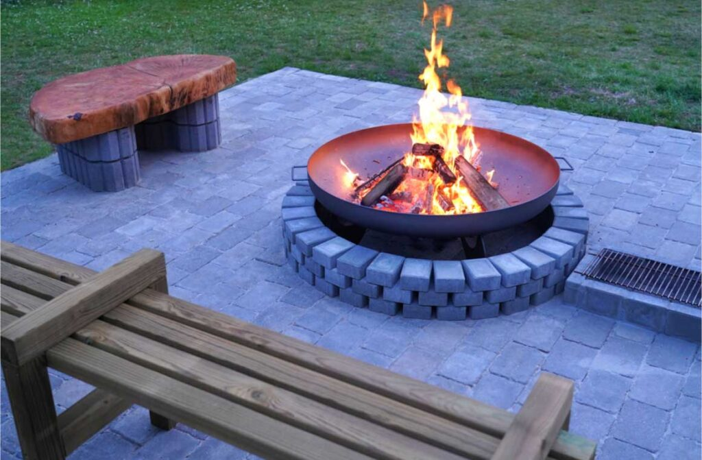 Iron fire pit burning place garden