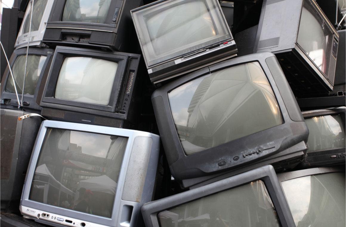 old garbage rubbish tv
